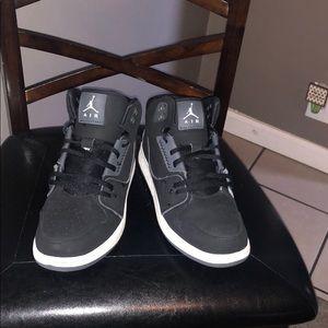 Youth unisex size 7 Jordan1 Flight 2 shoes black